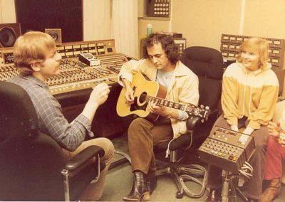 Samen met Dries Holten tijdens opname in studio