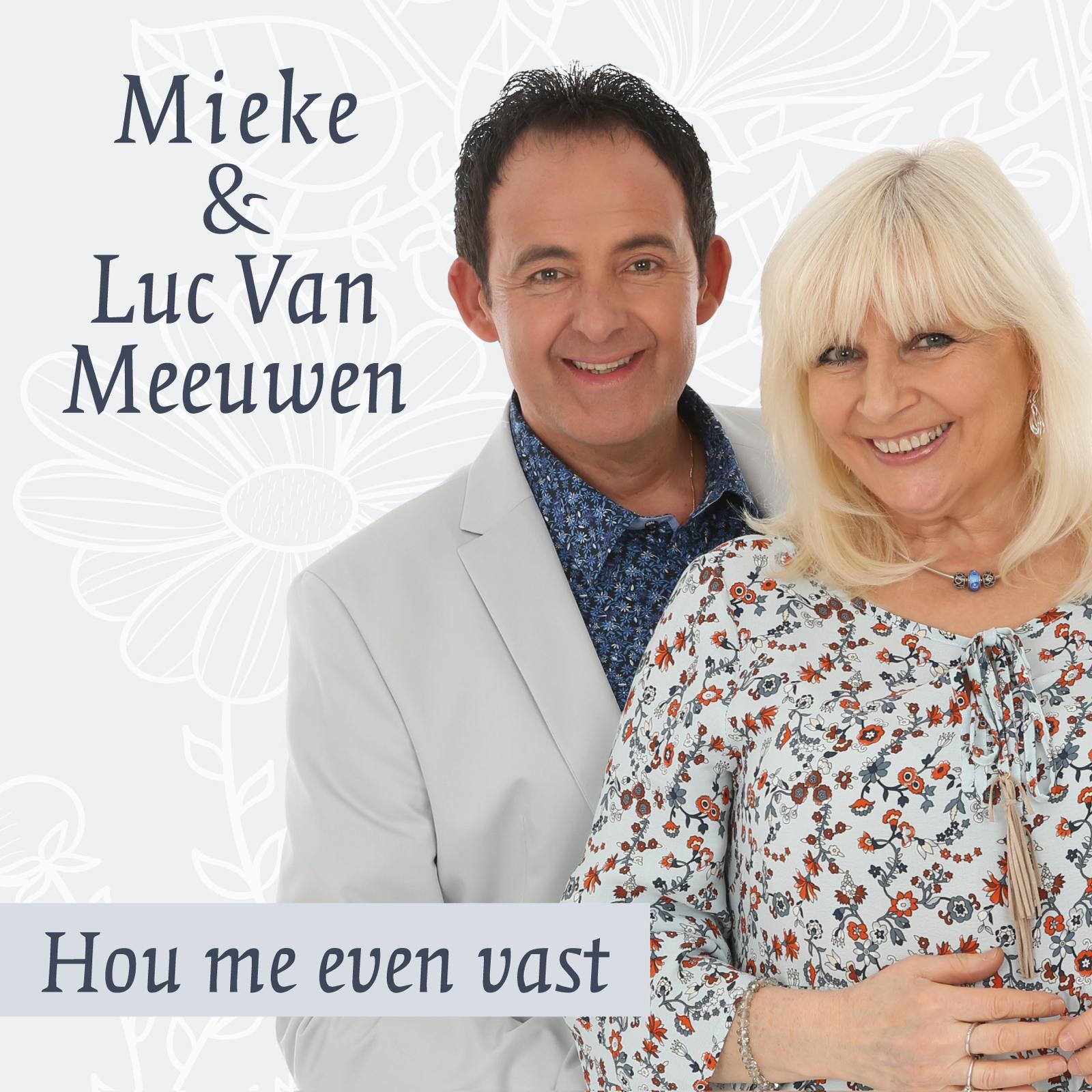 Volle maan, een sterrenhemel - Mieke en Luc Van Meeuwen